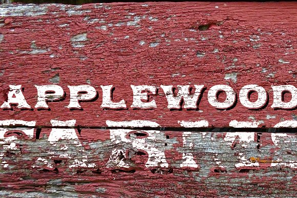 Applewood Alternate font