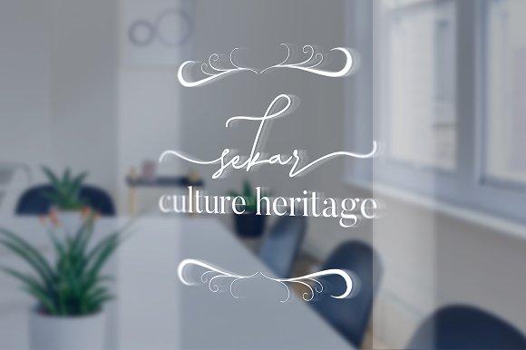 Laura Hellaw Font