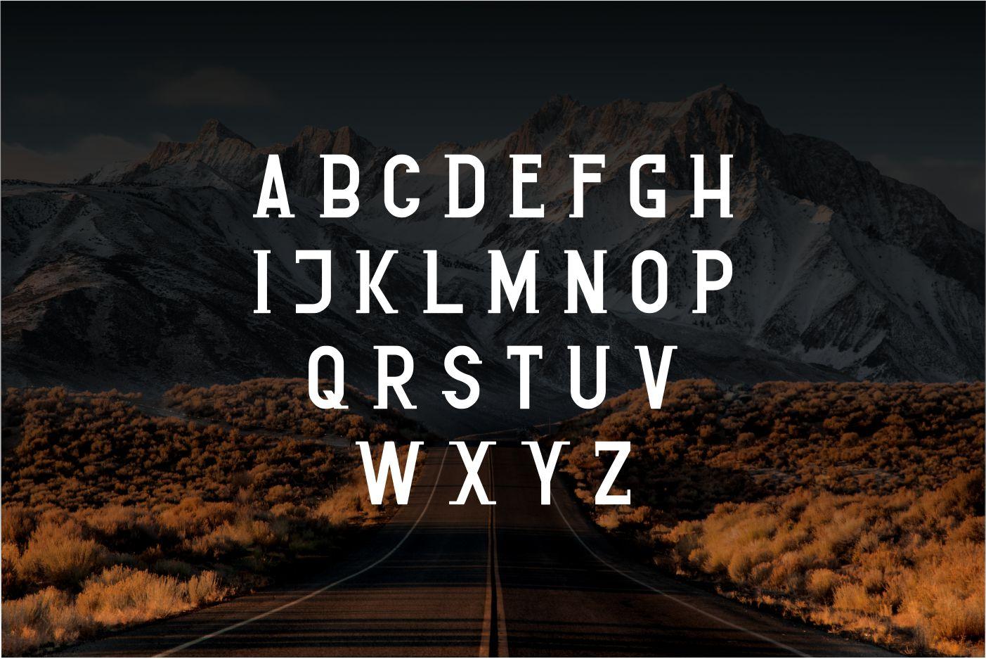 LUXUROSSA MODERN Font
