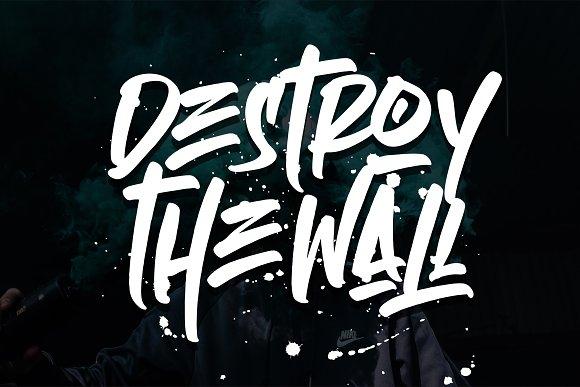Empires - Graffitty Street Brush Font